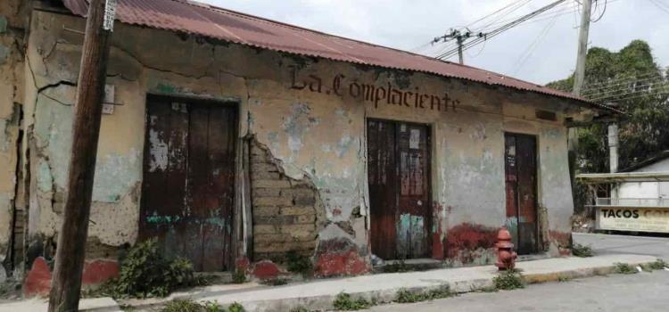 Temen colapso de viviendas antiguas