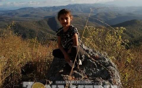 Muy sonriente la niña Nadia