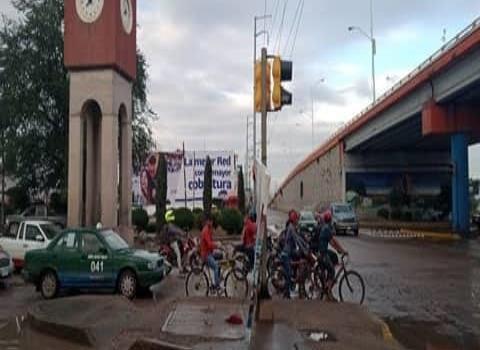 """Ciclistas no deben cruzar """"en rojo"""""""
