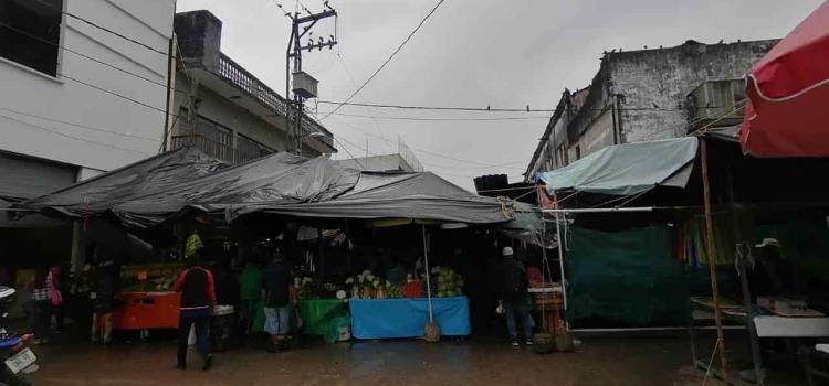Aguas negras en el mercado