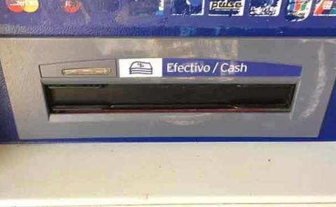 Alertan por trampas en  cajeros automáticos