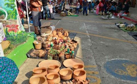 Artesanos piden cupo en mercado