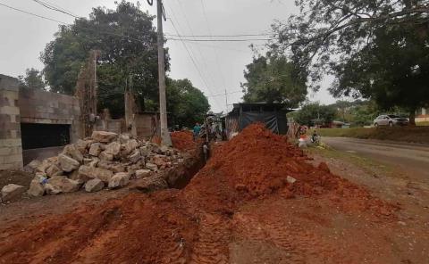 Avanza obra de drenaje en Zacatipán
