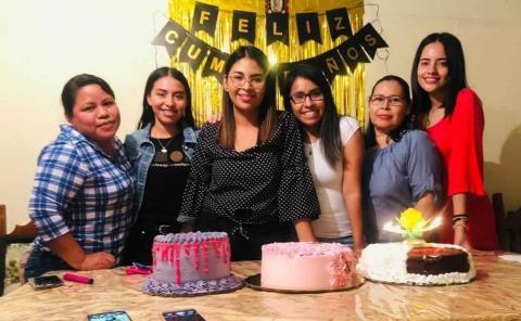 Rosy González de fiesta con amigas