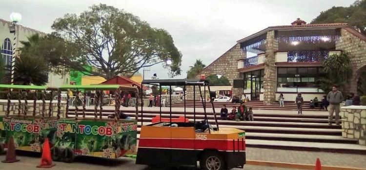Funciona tren turístico en la Plaza Principal