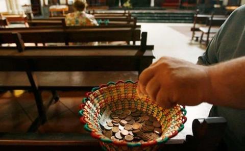 Llama Iglesia a dar el diezmo