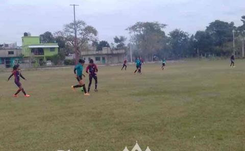 Formarán escuela para futbol femenil