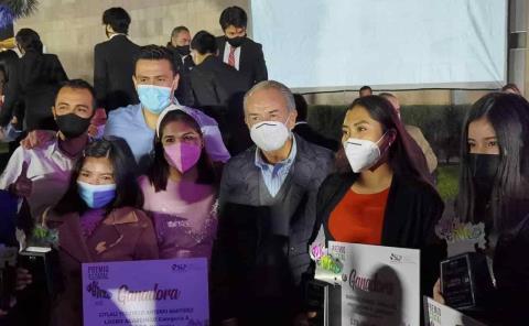Huastecos recibieron premios del Gobierno