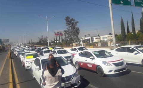 Lograron acuerdo Gobierno y taxistas