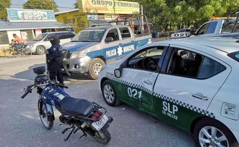 Taxista embistió a un motociclista