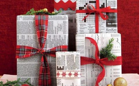 ¿Quieres estar en tendencia y a su vez ayudar al planeta? Envuelve tus regalos en papel periódico
