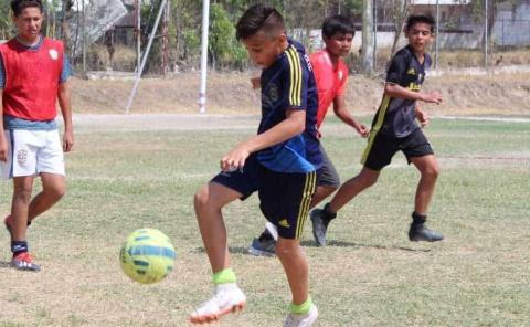 """Entra en acción Juvenil """"A"""" en el Futbol Menor"""
