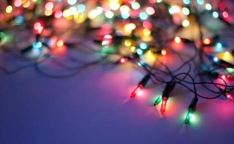 Llaman a prevenir incendios por luces navideñas