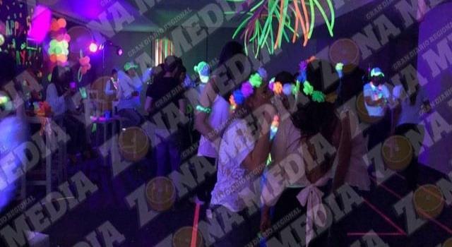 Fiestas ilegales hay en plena emergencia