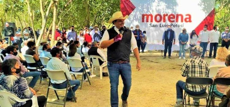 Alcaldesa de Tamuín apoya a Adrián Esper
