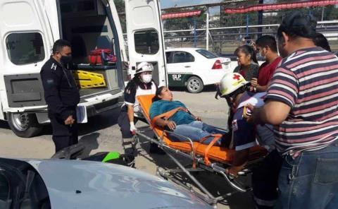 2 lesionados en choques de moto
