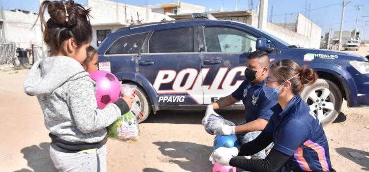 Policía Estatal entrega juguetes a niños de escasos recursos