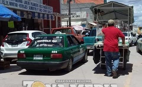 Reconoce la SCT disposición de taxistas