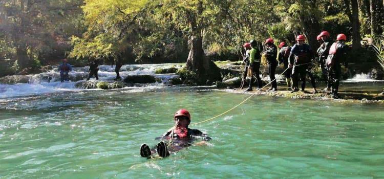 Capacitaron en rescate en ríos