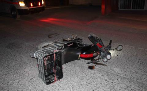 Moto impactada por un automóvil