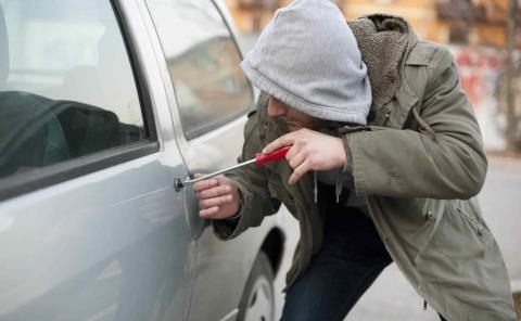 Buscan frenar robo de autos