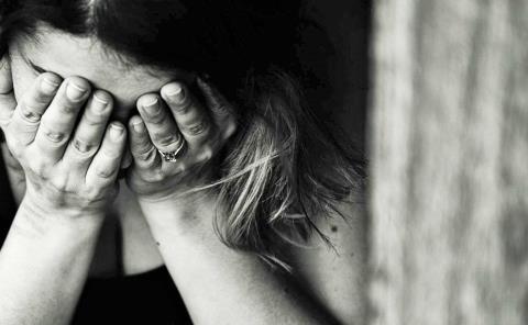 Deudas llevan a la depresión