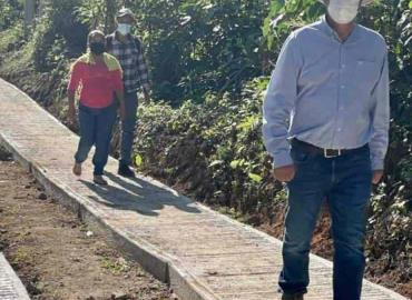 Edifican rampas en Chununtzén y Jilim
