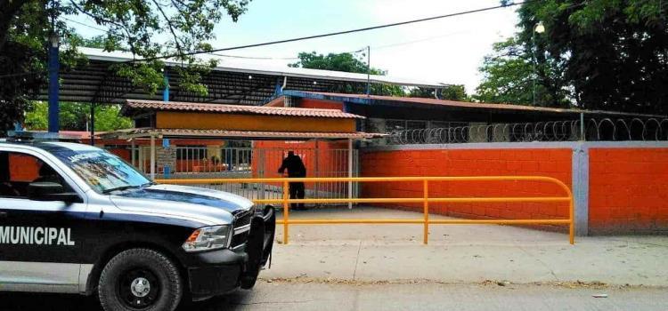 """""""Vandalizan"""" las escuelas"""