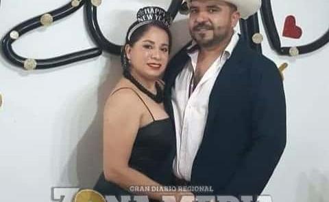 Felices recibieron el 2021 Mari y Alejandro