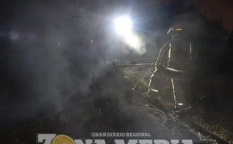 Voraz incendio en predio baldío