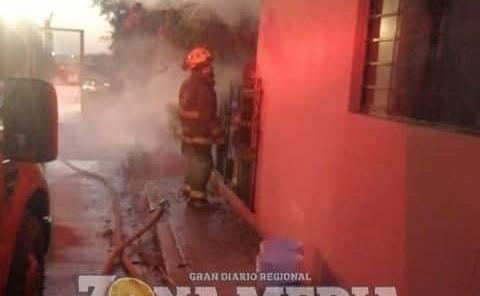 Ardieron en llamas par de viviendas
