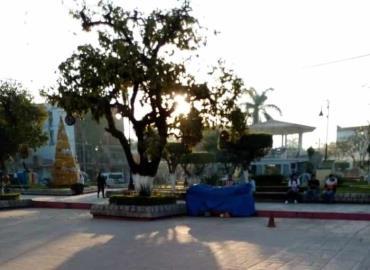 Ambulantes vuelven a invadir Plaza Principal