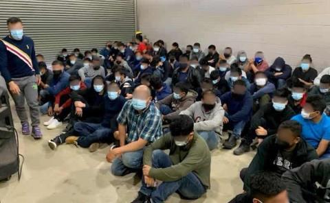 Detienen a 150 migrantes