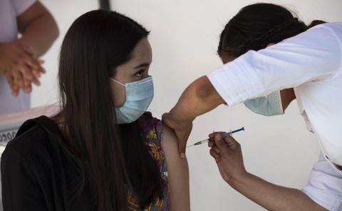 Vacuna llegará a final de mes