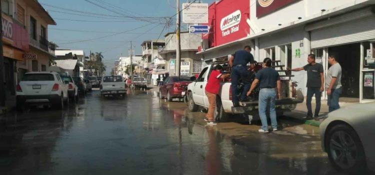 Fugas de agua en pleno Centro