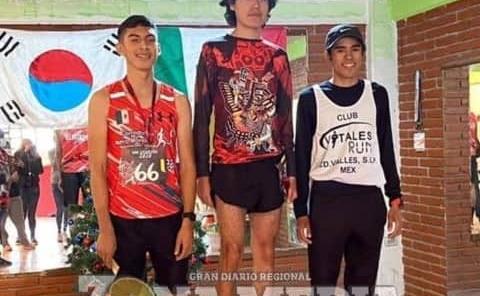 Alexis García primer lugar en carrera atlética
