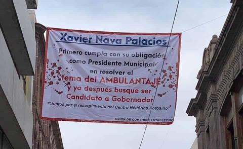Cuelgan manta al alcalde Xavier Nava