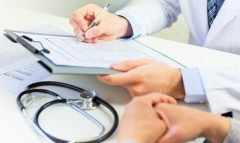 Ofrecen seguros médicos irreales