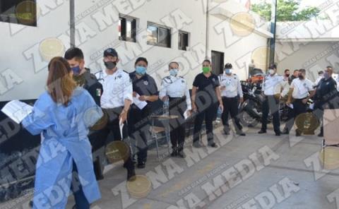 """Proponen """"limpiar"""" cuerpos policiacos"""