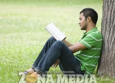 Guía moral y espiritual deben tener los jóvenes