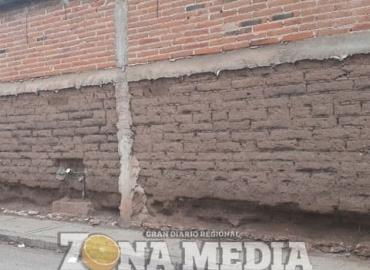 Casas de adobe en riesgo del colapso