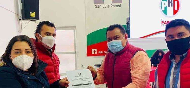 Se registró Baldemar Orta como precandidato del PRI