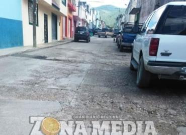 Calles de la ciudad invadidas de baches