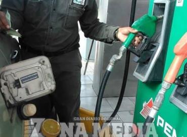 Casi llega a $ 20 el litro de gasolina