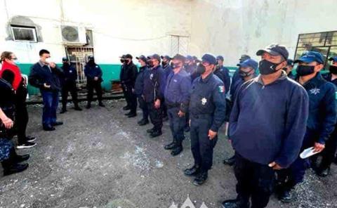 Incrementan salario a policías municipales