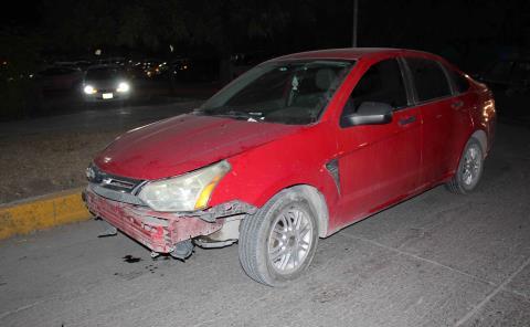Chocan 2 autos en Bulevar y Reforma