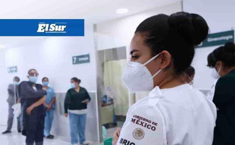Rechazan cinco trabajadores del Sector Salud ponerse la vacuna anticovid