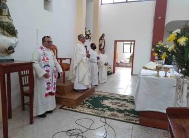 Despidieron al párroco de iglesia de San José