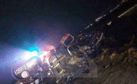 Se incendia auto en Mineral de la Reforma.