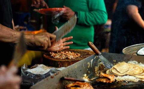 """""""Bajo lupa"""" de Coepris comida en vía pública"""